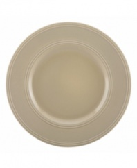 Elegance comes easy with these Fair Harbor dinner plates from kate spade new york. Durable stoneware in a serene sandy hue is half glazed, half matte and totally timeless.