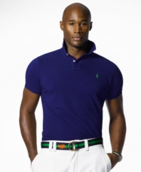 Short-sleeved polo shirt, cut for a comfortable, classic fit.