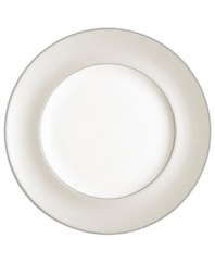 Fresh yet formal, any main course looks fabulous on the fine china Etoile Platinum dinner plates. From innovative designer Monique Lhullier's collection of dinnerware and dishes, it features a pearlescent border with glossy raised dots and a fine stitch-like pattern.