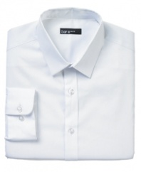 Give your workweek look a lift with the sophisticated style and modern fit of this sharp Bar III dress shirt.