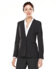 In a slim cut, this Calvin Klein fitted blazer is perfect for a chicly polished look!